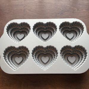 Nordic Ware Kitchen - Nordic Ware Tiered Heart Cakelet Pan Valentine